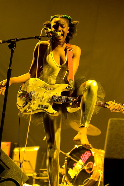 The-Noisettes-at-Wembley-14.jpg
