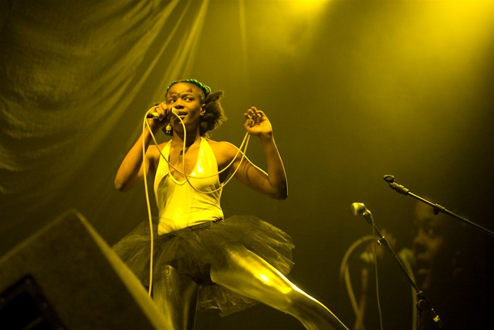 The-Noisettes-at-Wembley-15.jpg