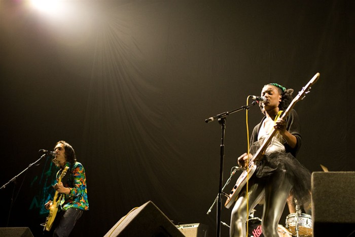 The-Noisettes-at-Wembley-2.jpg